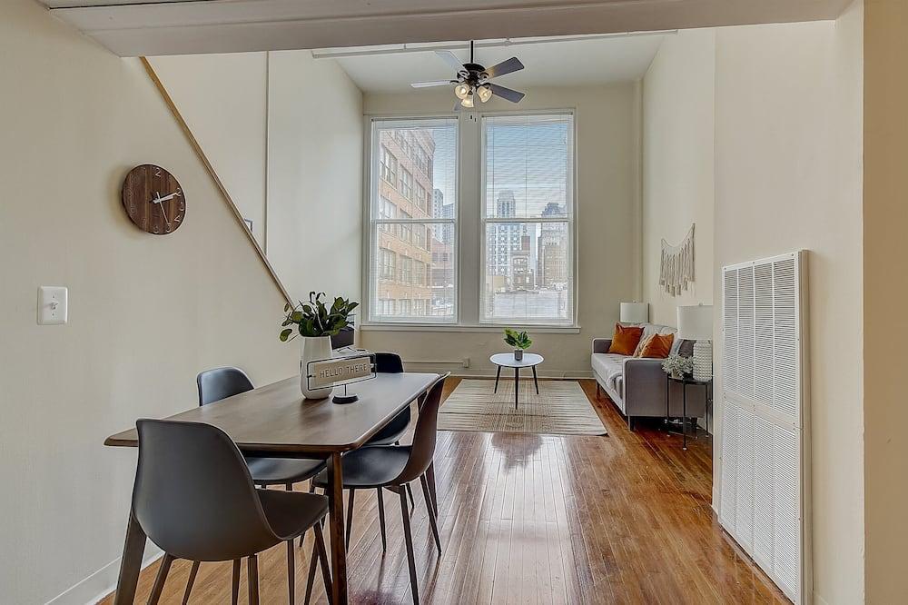 Λοφτ, Κουζίνα, Θέα στην Πόλη (1 Bedroom) - Περιοχή καθιστικού