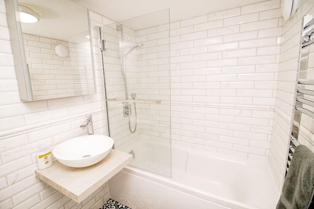 Külaliskorter, omaette vannitoaga (Surrey Street) - Vannituba