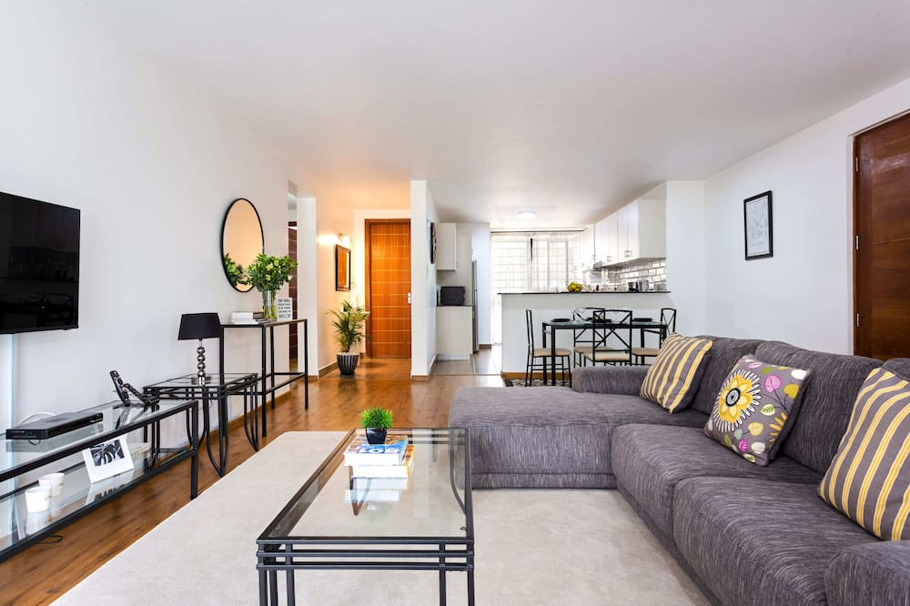 Luxury Apartment, 3 Bedrooms, Non Smoking, Ensuite - Living Area