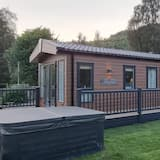 Luxary 2-bed Lodge With hot tub st Fillans