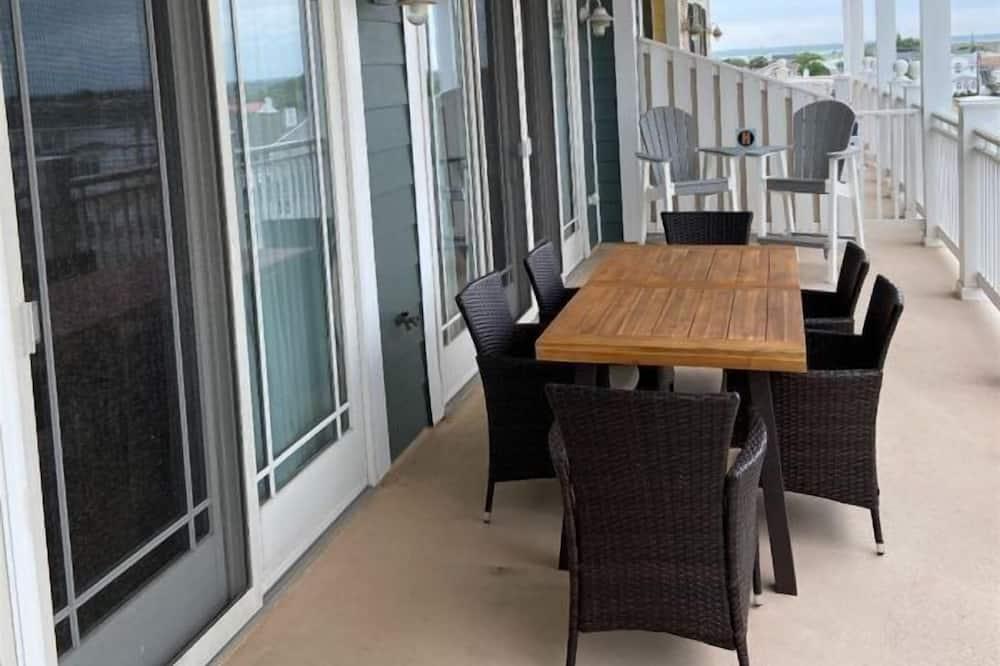 Condo (WC7701 Atlantic Avenue, Unit 304) - Balcony
