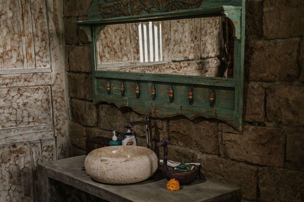 1 Bedroom Villa Fancy Wooden House - Bathroom