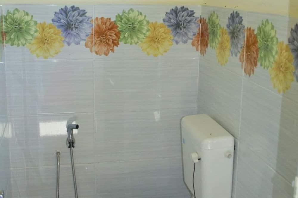 Superior Chalet - Bathroom