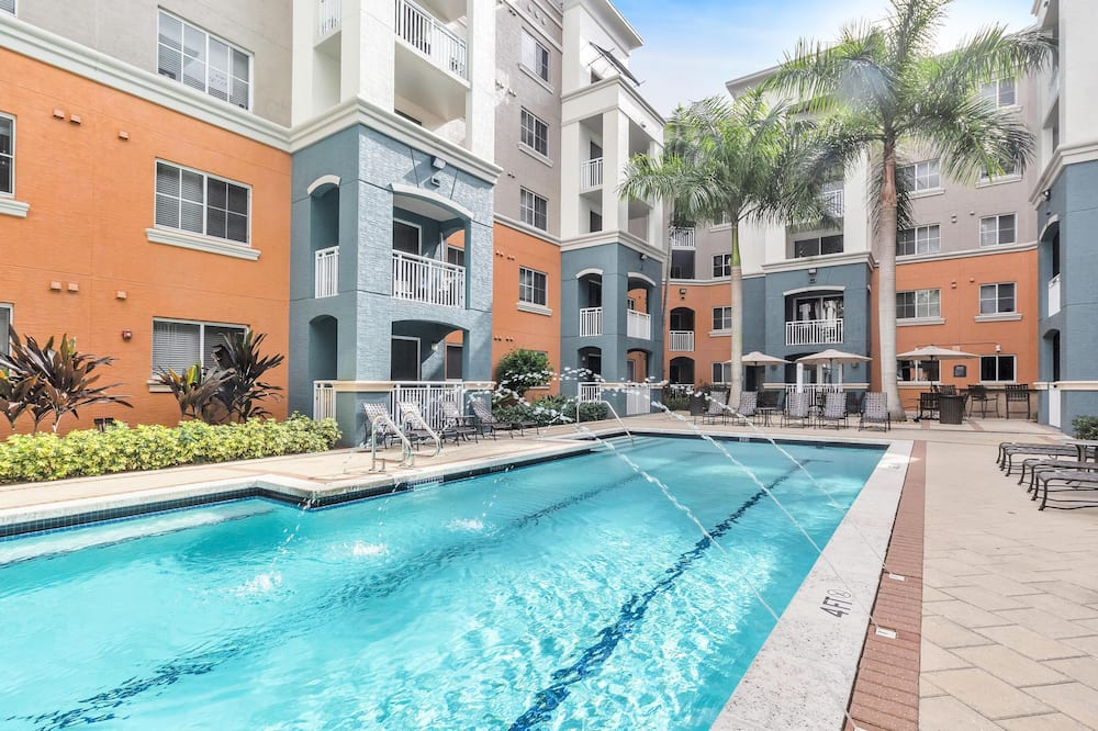 Dharma Home Suites South Miami at Red Road Commons