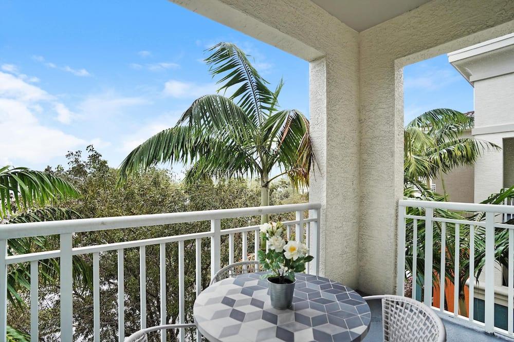 Premium Apartment, 2 Bedrooms, Pool Access - Balcony