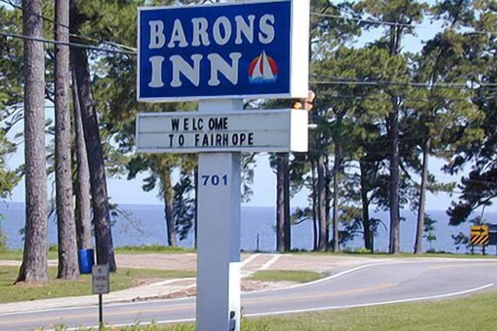 Barons Inn