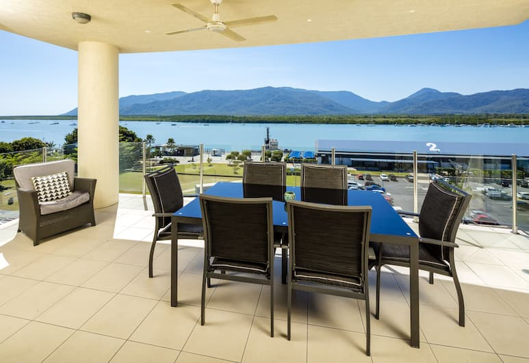 Jack & Newell Holiday Apartments, Cairns, 3 Bedroom Water View Apartment, Balcony