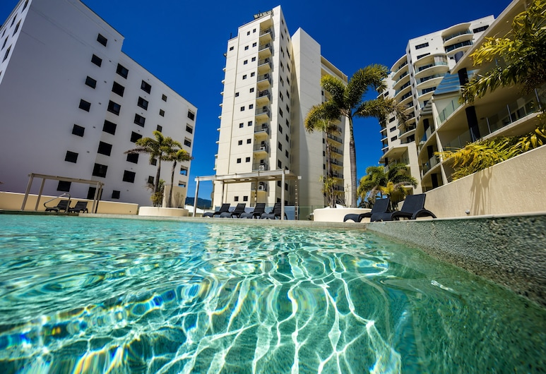 Jack & Newell Holiday Apartments, Cairns, Outdoor Pool