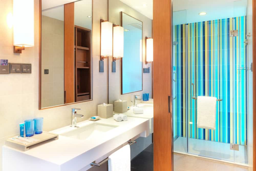 aloft, City Room, 2 Twin Beds, City View - Bathroom