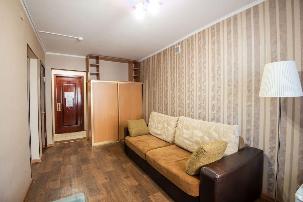 Superior Triple Room, 1 Bedroom - Living Area