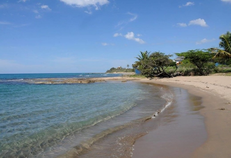 Marblue Villa Suites, Treasure Beach