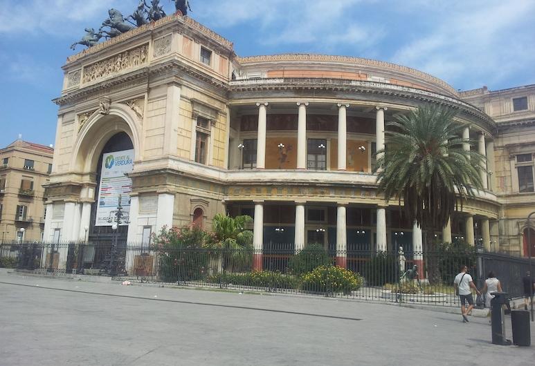 B&B Dietro il Politeama, Palermo, Facciata hotel
