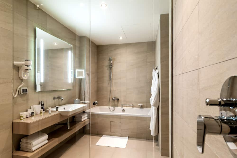 Privilege ルーム キングベッド 1 台 シービュー - バスルーム