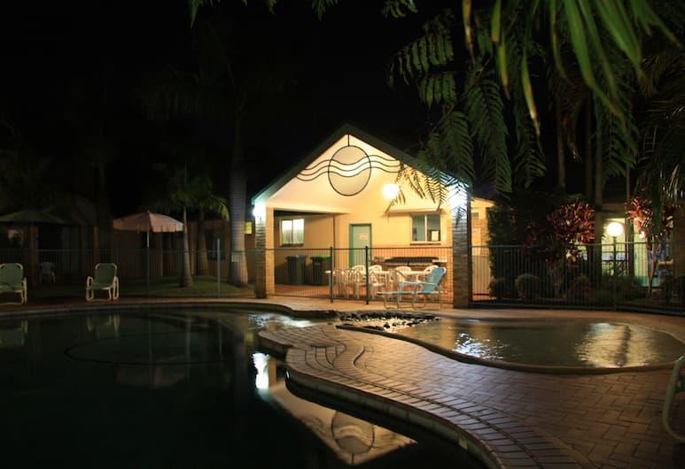 Aqua Villa Resort, Coffs Harbour, BBQ/Picnic Area