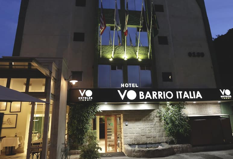 VO Hotel Barrio Italia, Santiago, Hotellfasad - kväll