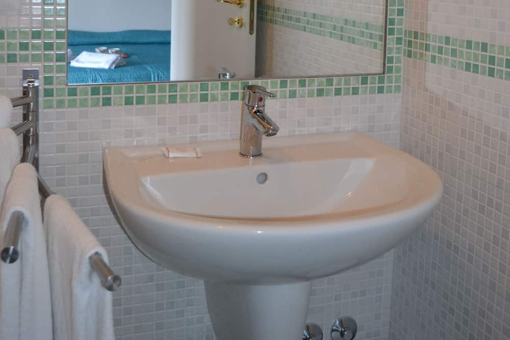 Triple Room, Balcony - Bathroom Sink
