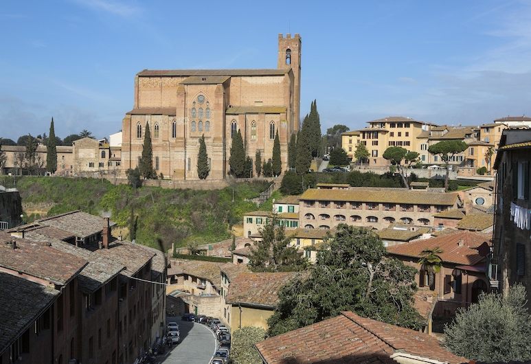 Hotel Alma Domus, Siena, Hotellets facade