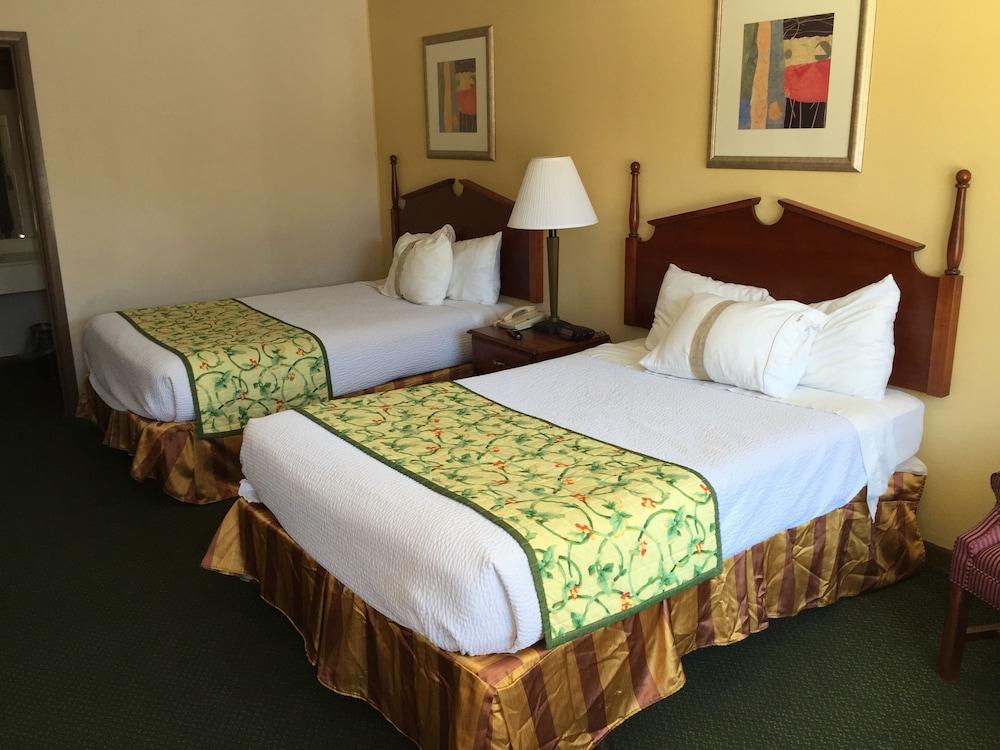Astoria Hotel Danville North, Danville