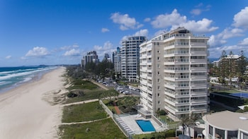 Picture of Beachfront Viscount in Surfers Paradise