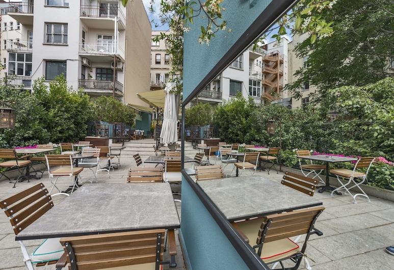 Suitel Bosphorus Istanbul, Istanbul, Ristorazione all'aperto