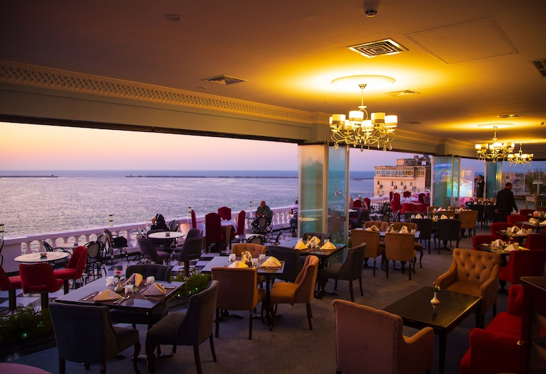 Paradise Inn Le Metropole Hotel, Alexandria, Restaurant