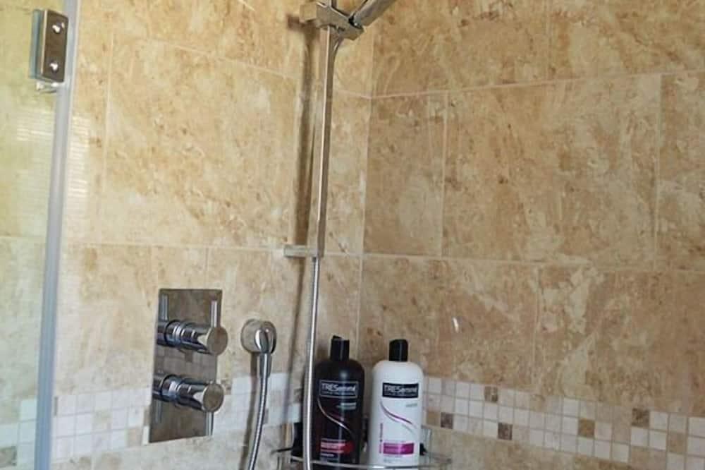 Lakosztály, közös fürdőszoba, kilátással a kertre (Room Only ) - Fürdőszoba