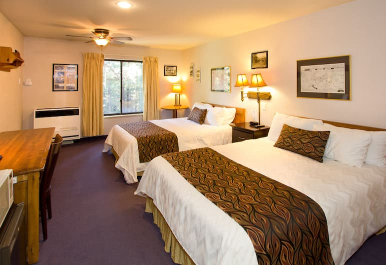 Holiday Haus Motel, Mammoth Lakes, Queen Room with 2 Queen Beds, Guest Room