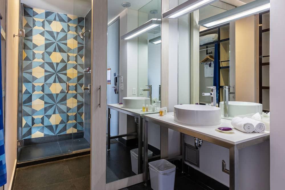 Standardní pokoj - Koupelna