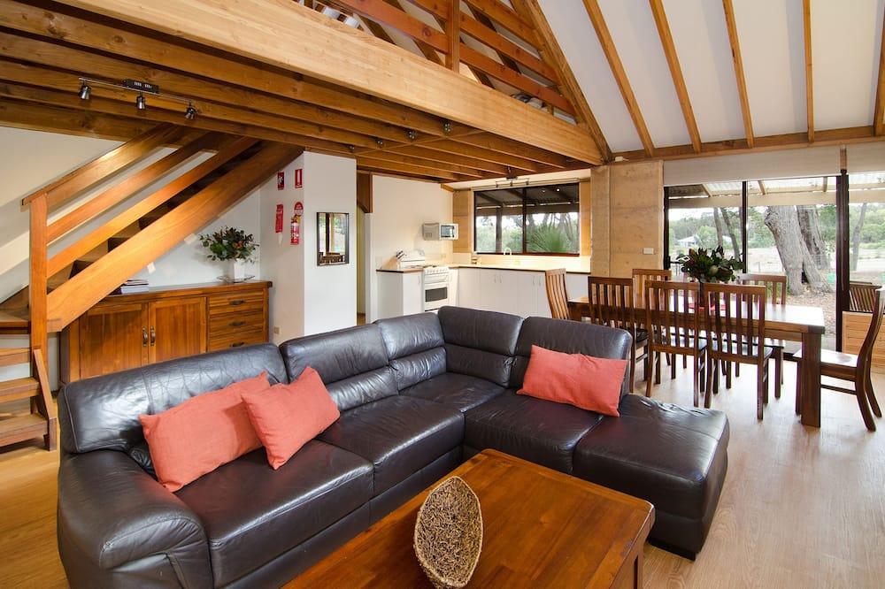 Kookaburra - Living Room