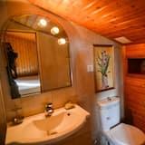 Standard Double Room, Private Bathroom, Garden View - Bathroom