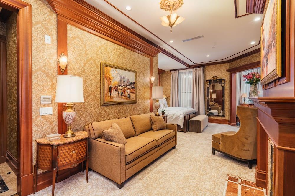 Bay Suite - Living Area
