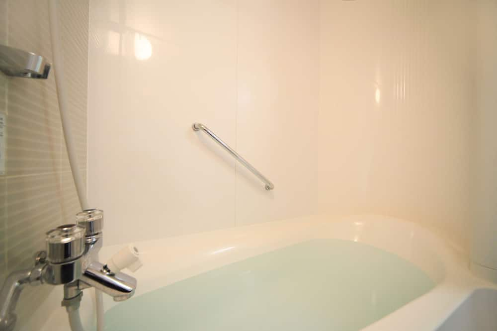 [Vaccinated People Only] Double Room, 1 Queen Bed, Non Smoking - Bathroom