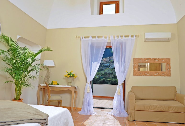 Maison Liparlati Positano, Positano, Superior Double Room, Guest Room View