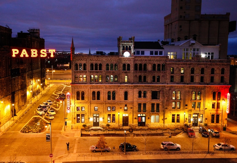 The Brewhouse Inn & Suites, Milwaukee, Voorkant hotel - avond/nacht