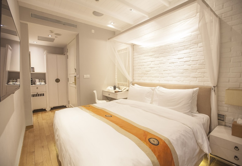 Hotel NuVe Heritage, Singapore, Deluxe Room, 1 King Bed, Guest Room View