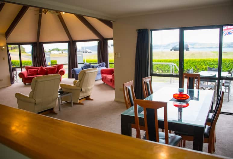 Accent on Taupo, Taupo, Lakehouse, Guest Room