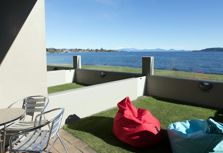 Boulevard Waters Motor Lodge, Taupo, Suite, 1 Bedroom, Lake View, Terrace/Patio