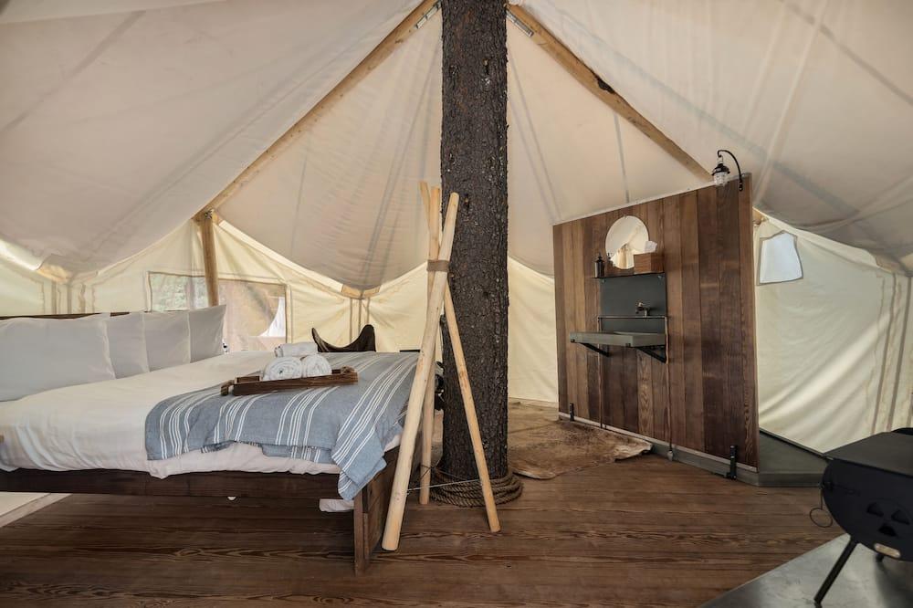 Treehouse Tent (Private Bath) - Bathroom
