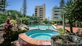 Choose This 3 Star Hotel In Surfers Paradise