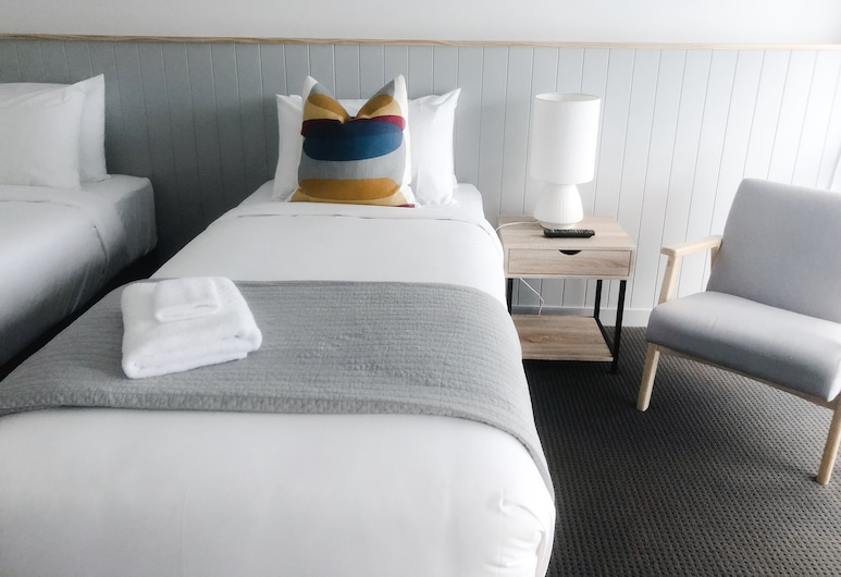 Eight Spence, Warrnambool, Twin Room, Guest Room