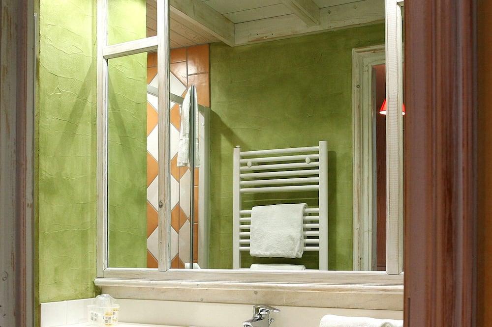 Dvojlôžková izba typu Classic, výhľad na park - Kúpeľňa