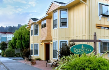 Picture of Redwood Suites in Ferndale