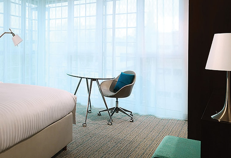Courtyard by Marriott Cologne, Cologne, Room, 1 King Bed, Non Smoking, Guest Room