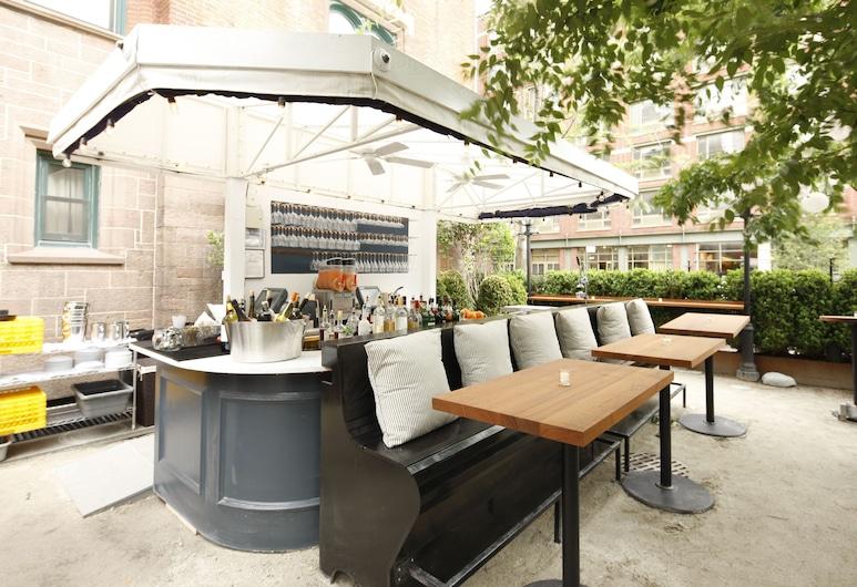 The High Line Hotel, Nova York, Área para refeição ao ar livre
