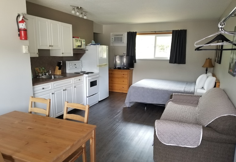 Lakeview Motel & Suites, Osoyoos, 2 Queen Superior 1 Bedroom Suite with Kitchen, Guest Room