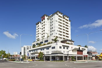 Picture of Best Western Plus Cairns Central Apartments in Cairns