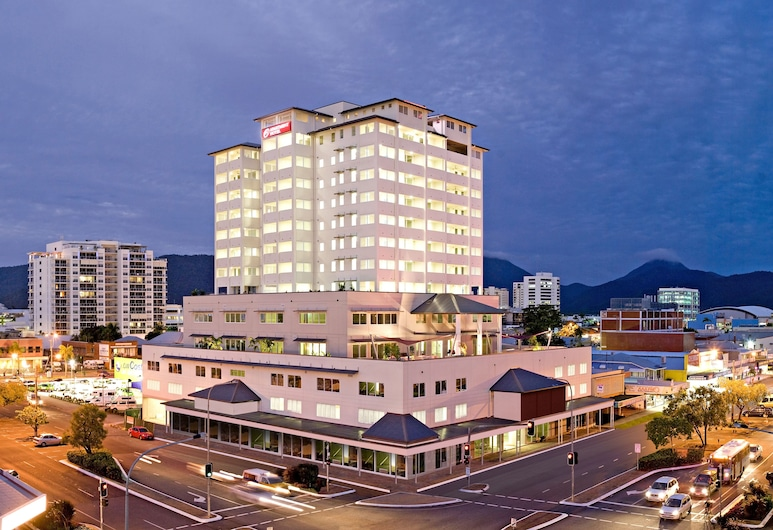 Cairns Central Plaza Apartment Hotel, Cairns, Front of property - evening