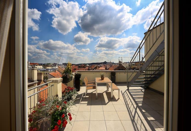 Salvator Superior Apartments, Prag, Deluxe-lejlighed - 2 soveværelser - terrasse, Terrasse/patio
