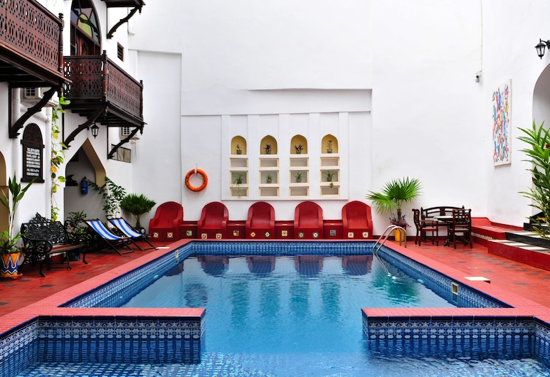Dhow Palace Hotel, Zanzibar City, Välibassein