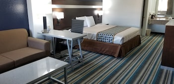 Picture of HomeBridge Inn and Suites in Beaumont